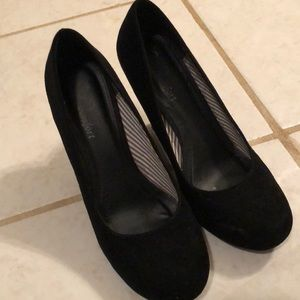 Shoes - Cato black wedges